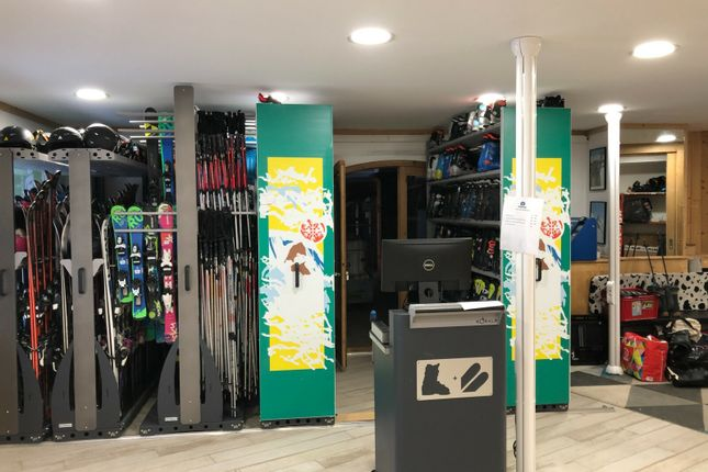 Thumbnail Retail premises for sale in 73440, Val Thorens, Rhône-Alpes, France