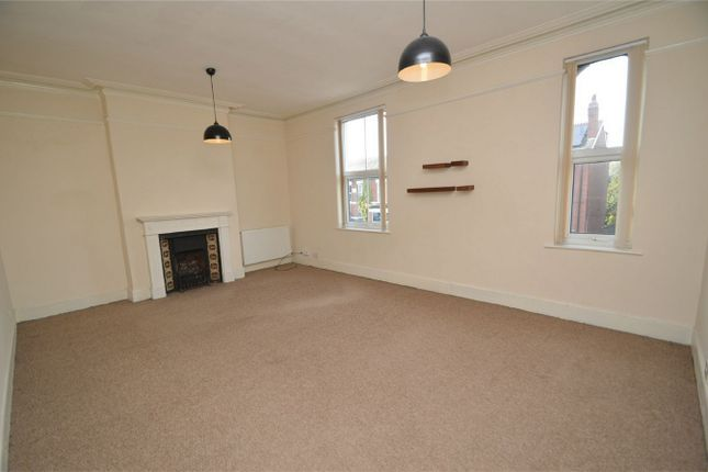 Thumbnail Flat to rent in 199A Bramhall Lane, Davenport, Stockport