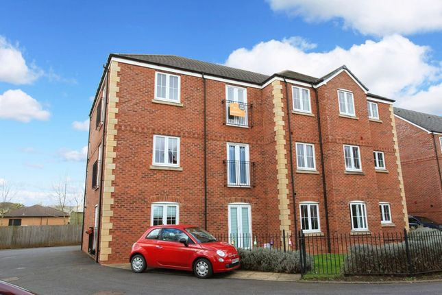 2 bed flat to rent in Dukes View, The Humbers, Telford TF2