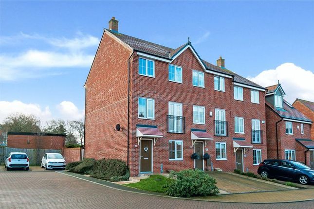 Thumbnail Town house for sale in Mulberry Close, Ormskirk