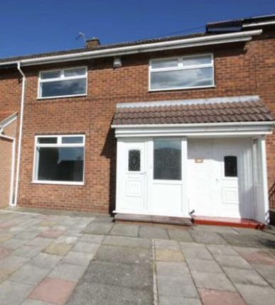 Thumbnail Mews house to rent in Hattersley Road West, Hyde