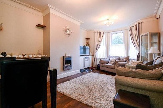 Thumbnail Flat to rent in St. Annes Road, Torquay