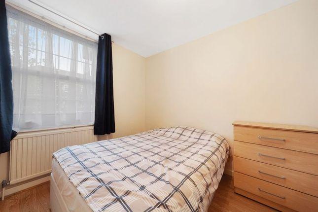 Thumbnail Flat for sale in Emlyn Gardens, London