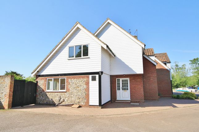 Thumbnail Property to rent in Anchor Street, Coltishall, Norwich