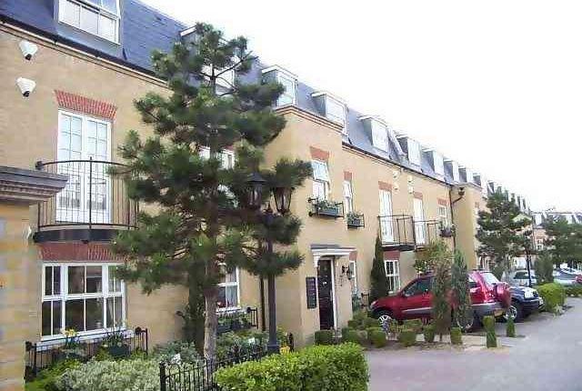 Thumbnail Flat to rent in Layton Place, Kew Gardens, Kew