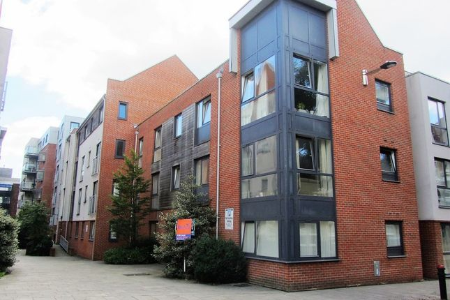 1 bed flat for sale in Castle Way, Southampton