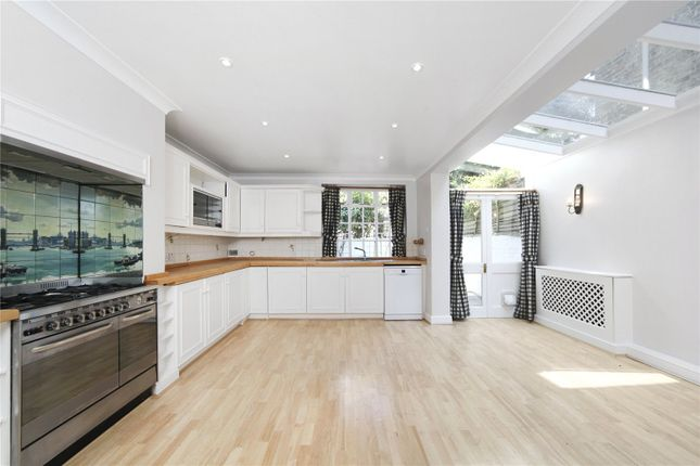 Thumbnail Property to rent in Macduff Road, Battersea Park, London