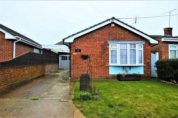 Thumbnail Detached bungalow for sale in Chapman Road, Canvey Island, Essex