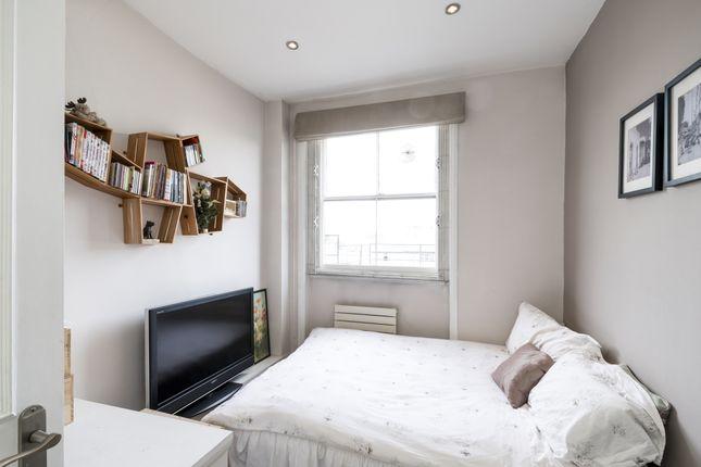 Double Bedroom of Kensington Gardens Square, London W2