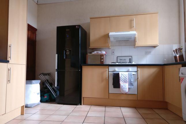 Thumbnail Flat to rent in High Street, Burton Latimer, Kettering