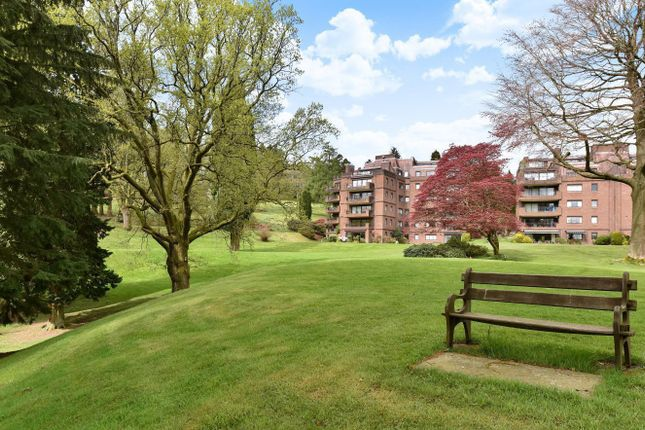 3 bed flat for sale in Oak Lodge, Lythe Hill Park, Haslemere GU27