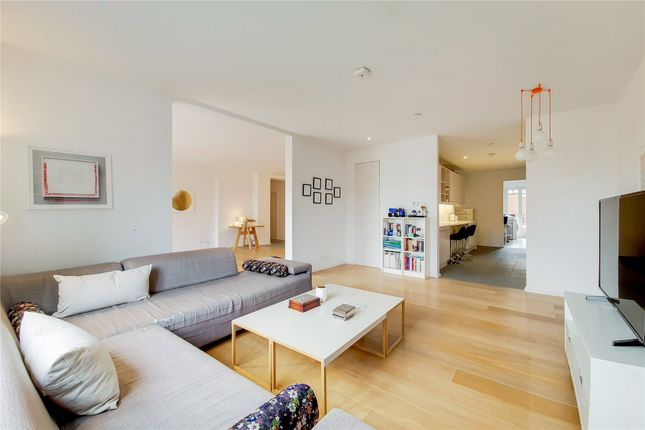 Thumbnail Flat for sale in Turner House, 26 Clevedon Road, Twickenham