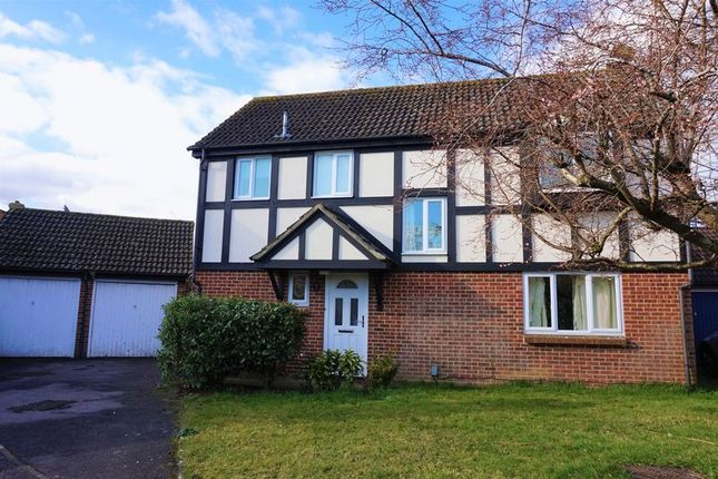 4 bed detached house for sale in Scrivens Mead, Thatcham