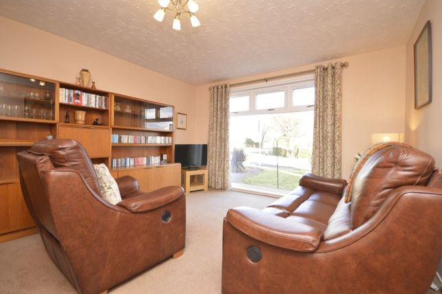 Thumbnail Bungalow for sale in Hopetoun View, Dalgety Bay, Dunfermline