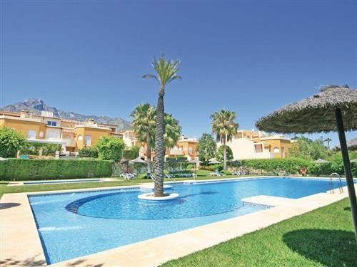 3 bed town house for sale in Nagüeles, Spain