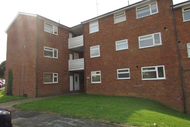 Thumbnail Flat for sale in Woburn Close, Stevenage
