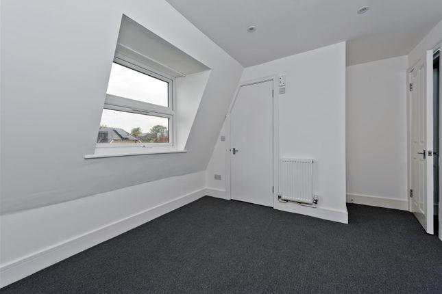 Thumbnail Flat to rent in Haydons Road, London