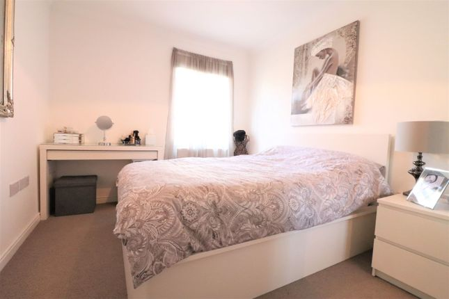 Bedroom of Planets Way, Biggleswade SG18