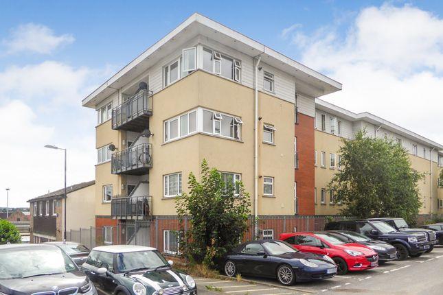 Thumbnail Flat to rent in Vyne Road, Basingstoke