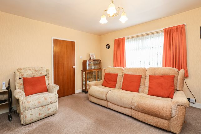 Lounge of Beaumont Crescent, Sheffield S2