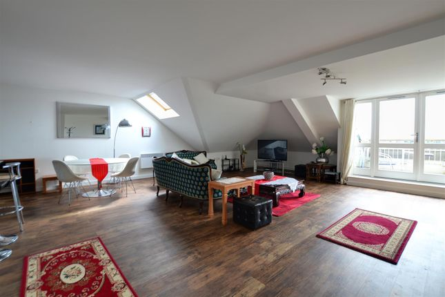 Thumbnail Flat to rent in Park Lodge Avenue, West Drayton, Middlesex
