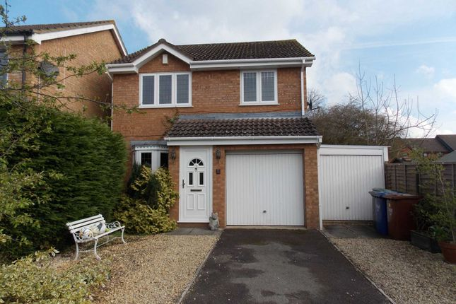3 bed detached house to rent in Osprey Close, Bicester