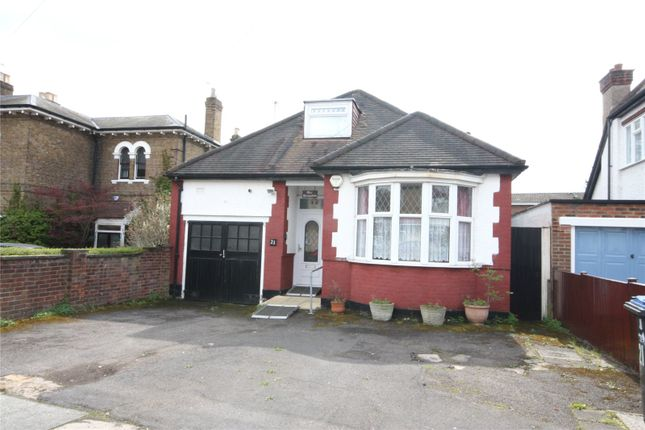 Thumbnail Bungalow for sale in Queens Road, Enfield