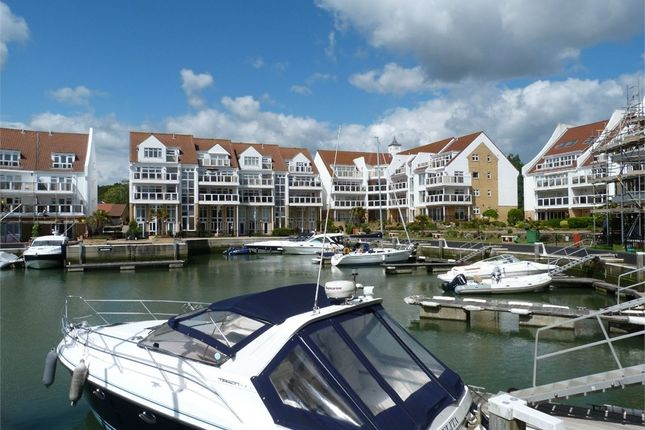 Thumbnail Town house to rent in Lake Avenue, Poole, Dorset