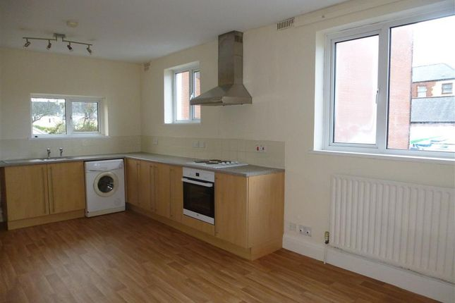 Thumbnail Flat to rent in Fore Street, Saltash