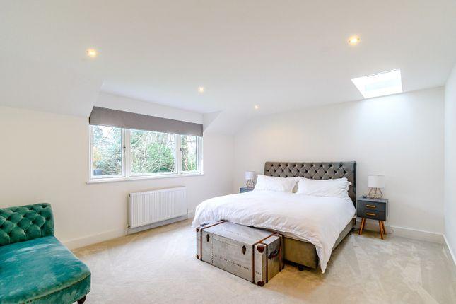 Bedroom of Lynx Hill, East Horsley, Leatherhead KT24
