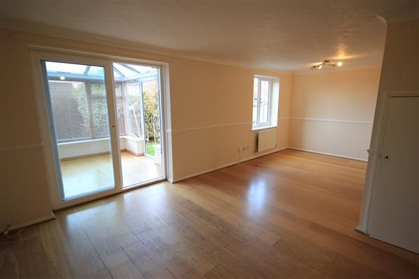 Thumbnail Property to rent in Elder Close, Portslade, Brighton