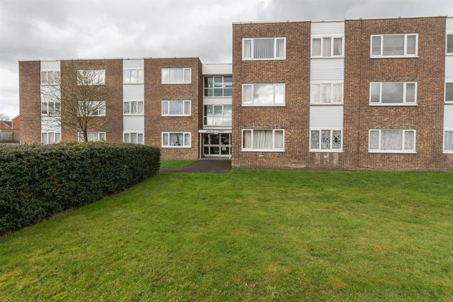 Thumbnail Flat for sale in Wesley Court, Royal Wootton Bassett, Swindon