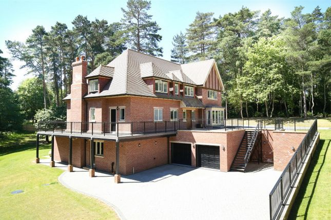 Thumbnail Detached house to rent in The Rise, Reading Road, Finchampstead, Wokingham