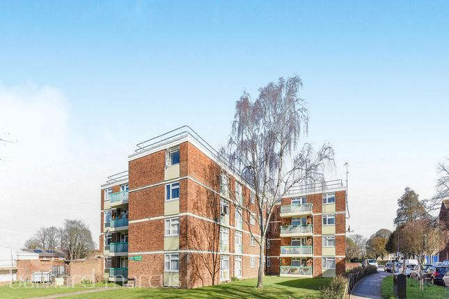 Thumbnail Flat for sale in Alcester Road, Wallington