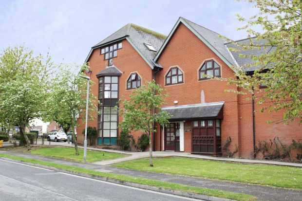 Thumbnail Flat for sale in Greengables, Grimsby, South Humberside