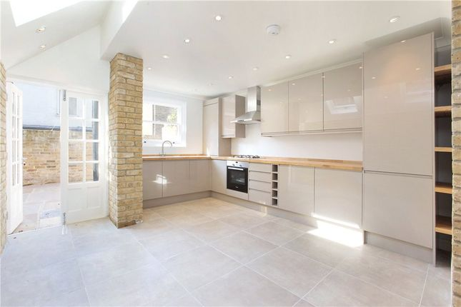 Thumbnail Terraced house for sale in Hereward Road, Tooting, London