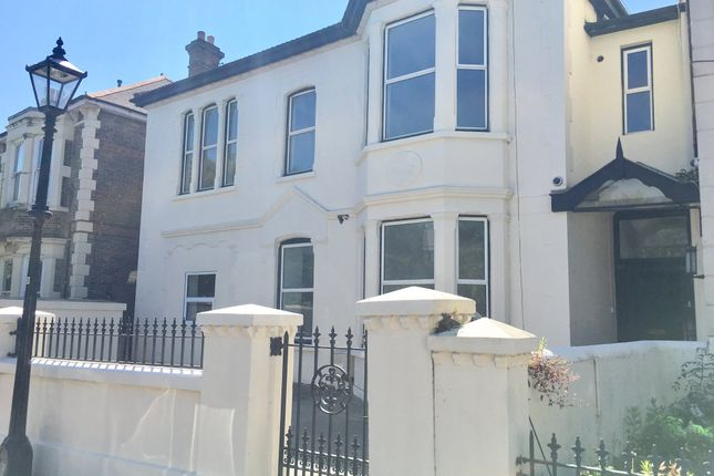 Thumbnail Property to rent in Merton Road, Southsea