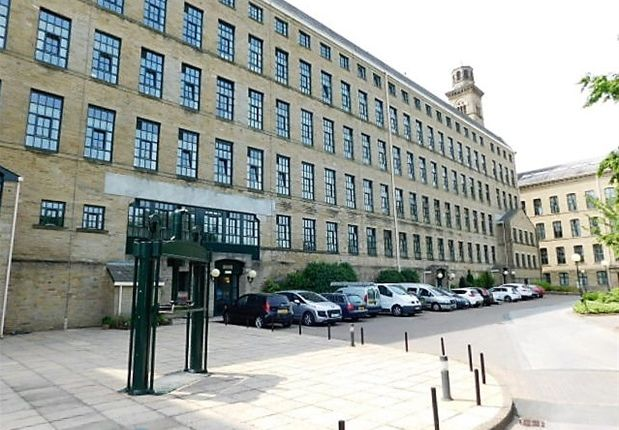 Thumbnail Flat for sale in Riverside Court, Saltaire, Shipley