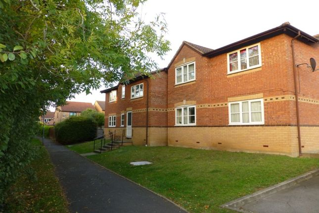 Thumbnail Flat for sale in St. Patricks Close, Evesham