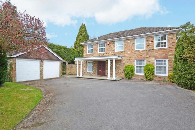 4 bed detached house to rent in Redcourt, Pyrford