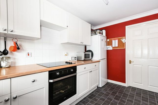 Flat for sale in Park Road, Grendon Underwood, Aylesbury