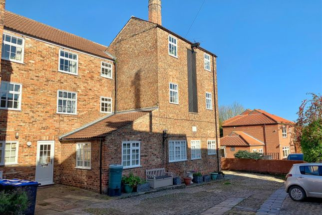 Thumbnail Flat to rent in Kirkgate, Thirsk