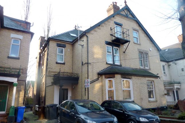 2 bed flat to rent in Chatham Grove, West Didsbury, Didsbury, Manchester M20