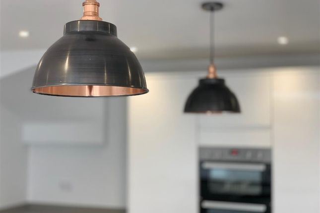 Feature Lighting of Riddlesdown Avenue, Purley, Surrey CR8