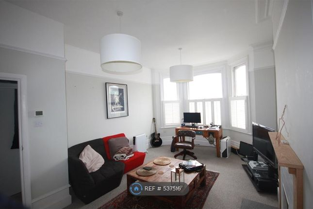 Thumbnail Flat to rent in Grove Hill Rd, Tunbridge Wells