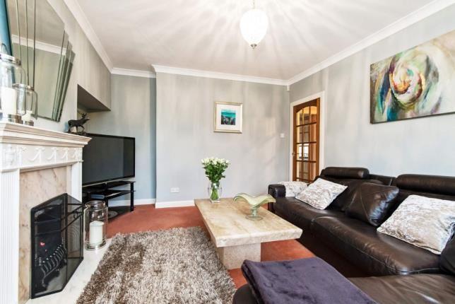 Queens Crescent Falkirk Stirlingshire Fk1 3 Bedroom Semi Detached House For Sale 45628267