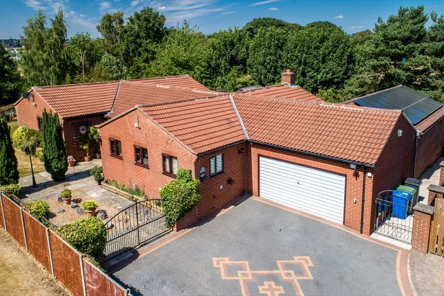 Thumbnail Detached bungalow for sale in Redbrook Avenue, Hasland, Chesterfield