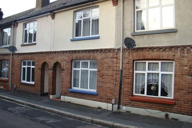 Thumbnail Terraced house to rent in Albert Road, Chatham