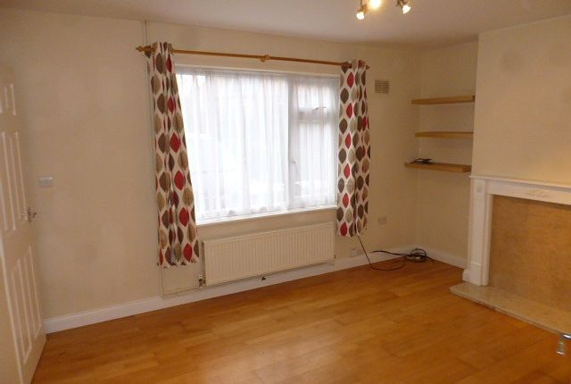 Thumbnail Property to rent in Olton Avenue, Beeston