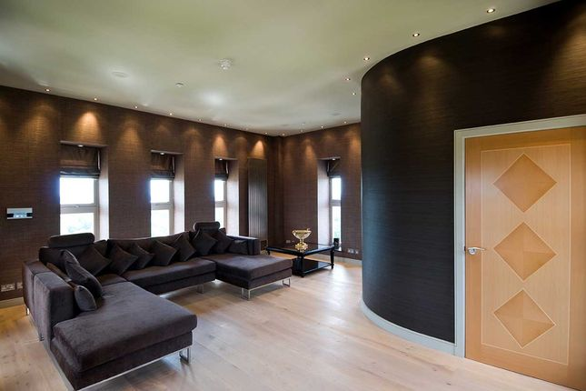 Thumbnail Flat to rent in The Boulevard, Woodford Green